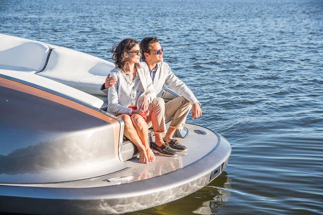 10-Lexus-Sports-Yacht-Concept