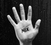 1142888848mix06_web_hand