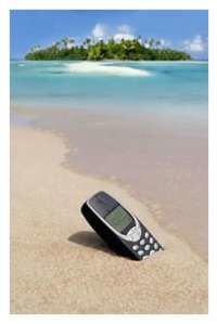 1152585003CellPhoneOnBeach