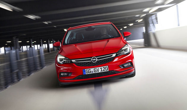2-Opel-Astra-Car-of-the-Year-2016