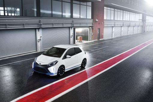 2013_09_04_05-Toyota-Yaris-Hybrid-R-Concept-Car