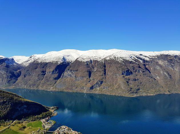 Noorwegen_fjord_zomer