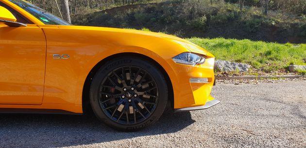 Ford-Mustang_5_liter_V8_02
