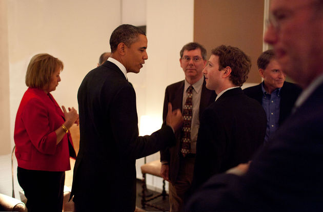2560px-Zuckerberg_meets_Obama