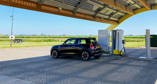 50kWh_laden_Fastned_MINI_Electric