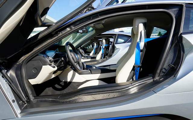 BMW_i8_interieur