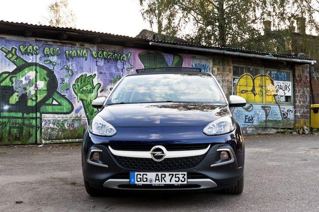 Opel_Adam_Rocks_Riga_blauw_2