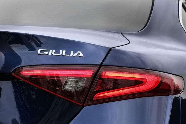 Alfa-Romeo_Giulia_15