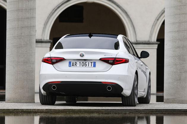 Alfa-Romeo_Giulia_achter