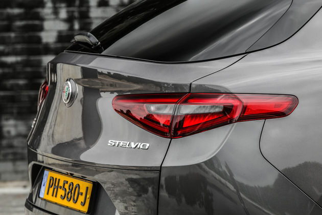 Alfa_Romeo_Stelvio_NL (33)