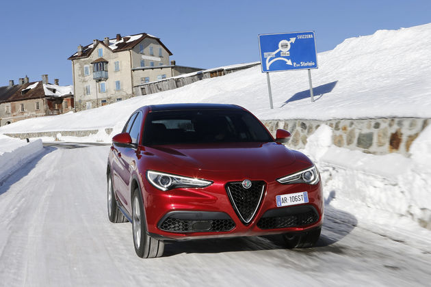 Alfa_Romeo_Stelvio_Stelvio_Pass (14)