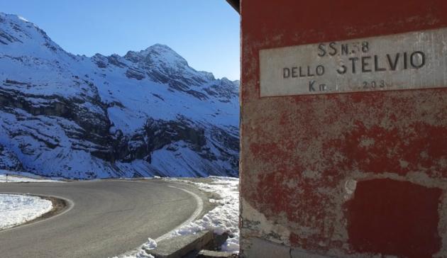 Alfa_Romeo_Stelvio_Stelvio_Pass (36)