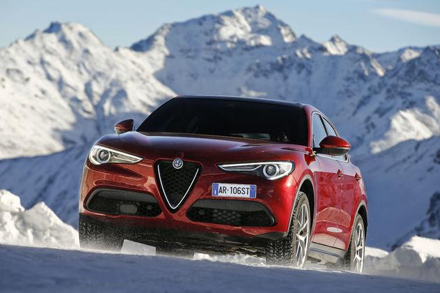 Alfa_Romeo_Stelvio_Stelvio_Pass (8)