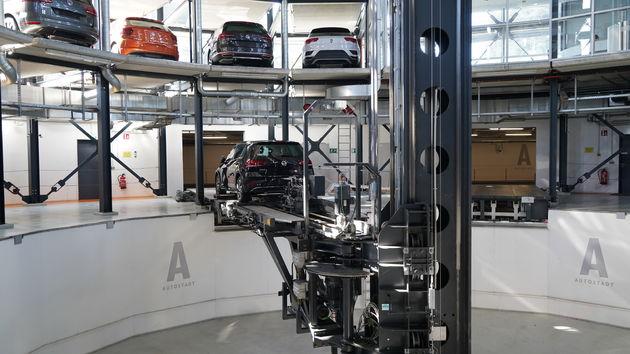 Autostadt_Volkswagen_toren_01