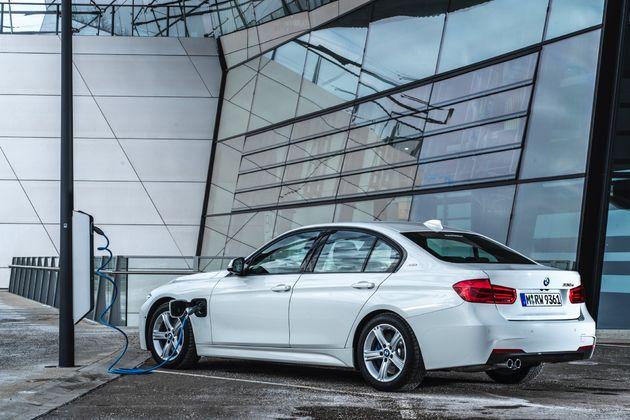 BMW 330e - CarRepublic -10