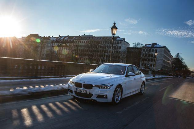 BMW 330e - CarRepublic -2