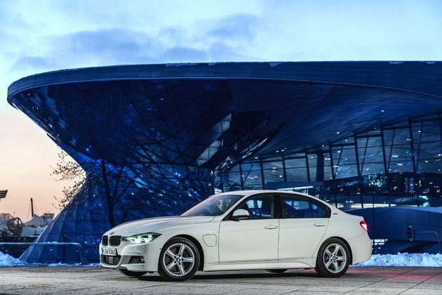 BMW 330e - CarRepublic -4