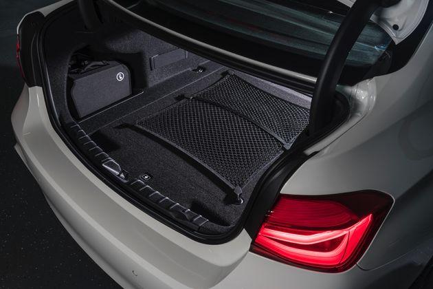 BMW 330e - CarRepublic -9