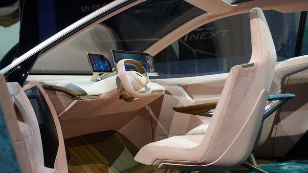 BMW_iNEXT_CES_03