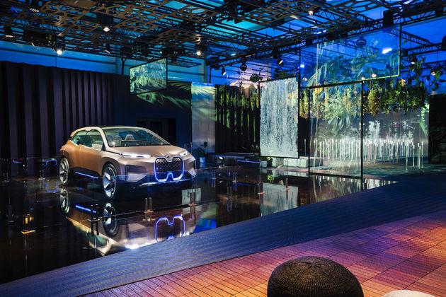 BMW_iNEXT_CES_10