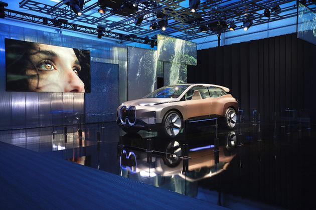 BMW_iNEXT_CES_12