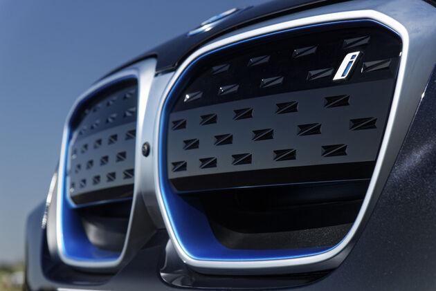 BMW_iX3_2021_02