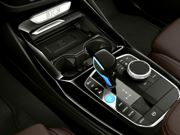 BMW_iX3_2021_electric