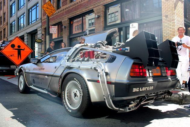 Delorean_DMC-12_Time_Machine_in_San_Francisco