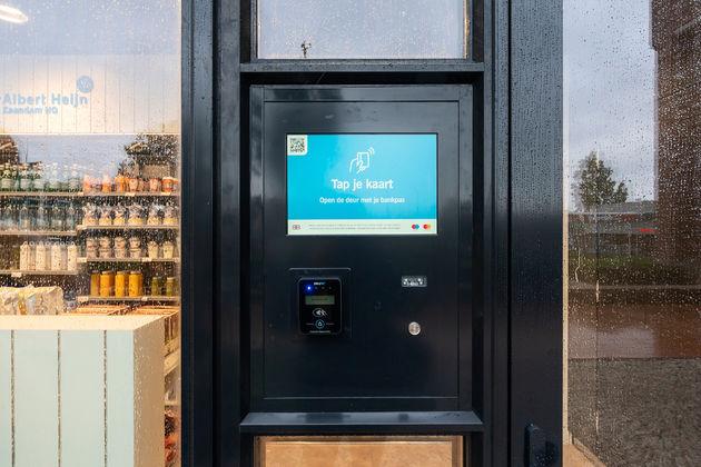 Digitale winkel tap je bankpas
