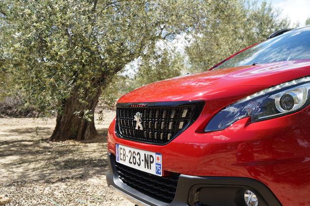 Peugeot_2008_nieuwe_neus