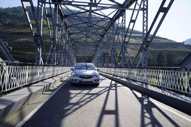 Opel_Astra_Sports_Tourer_3