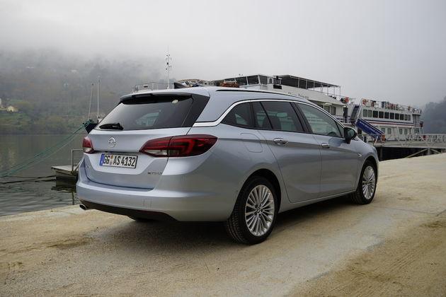 Opel_Astra_Sports_Tourer_7