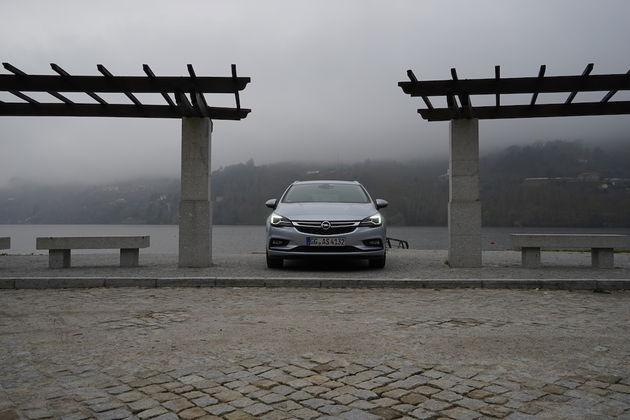 Opel_Astra_Sports_Tourer_11