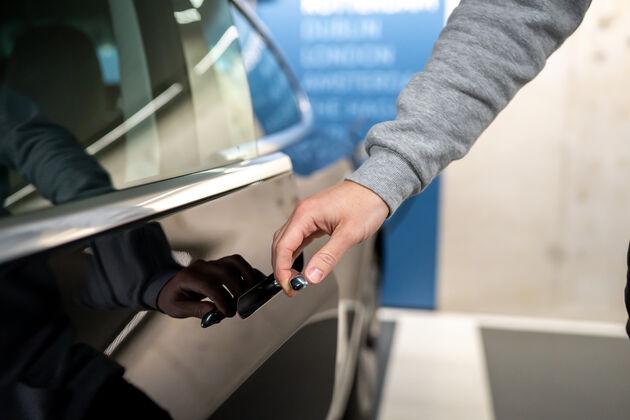 Elektrische auto huren zakelijk