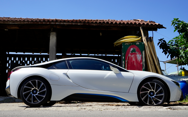 BMW_i8_zijkant