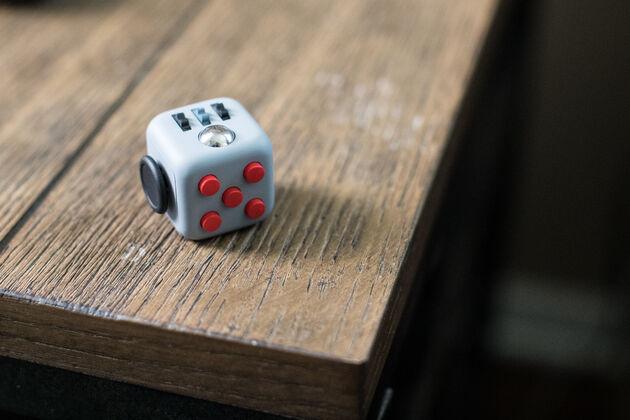 Fidget Cube Kickstarter - 3
