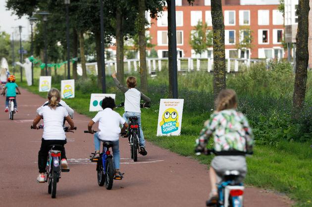 Fietsende_oogtest_Kinderen_Op_fiets