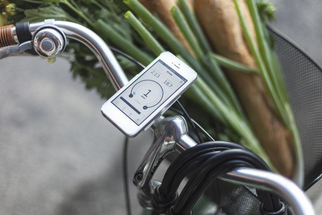 FlyKly maakt van een gewone fiets een elektrische fiets, die je met je smartphone kan bedienen