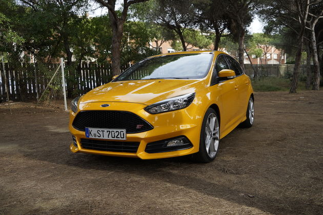 Ford_Focus_ST_yellow3