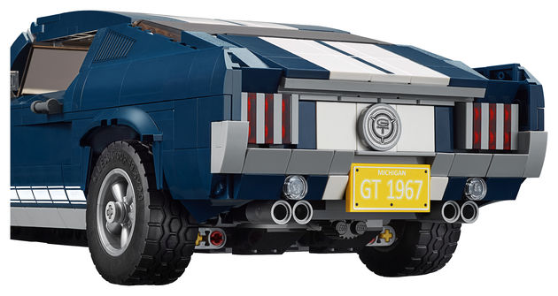 Ford_LEGO_Mustang_1967_back