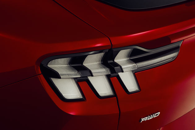 FORD_MUSTANG_MACH-E_DETAILS_23