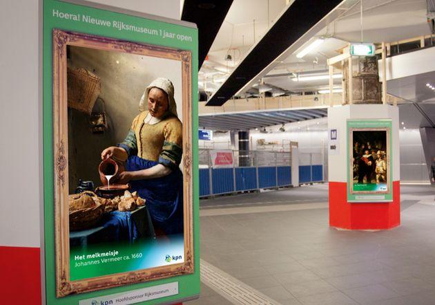 Geanimeerde digitale Nachtwacht te zien op metrostations in Rotterdam en Amsterdam #rijks1jaar