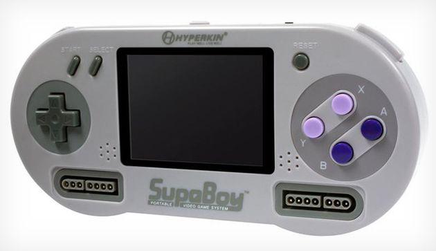 HyperKin SupaBoy: eindelijk een echte draagbare Super Nintendo