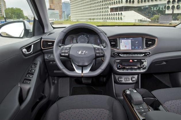 Hyundai-IONIQ-Car-sharing3_amsterdam