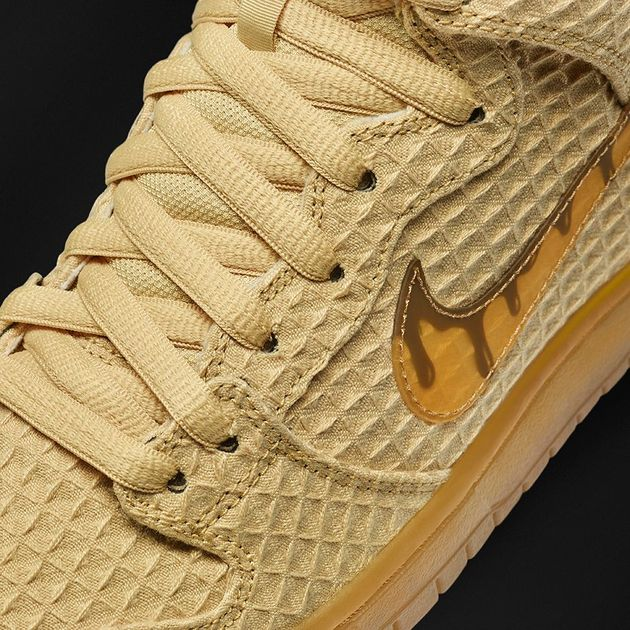 Chicken_and_waffle_Nike_voorkant