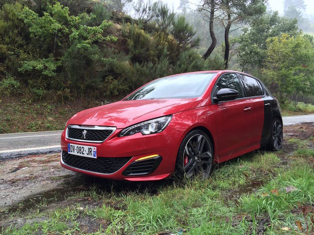 Peugeot_308_GTi_Coupe_Franche_1