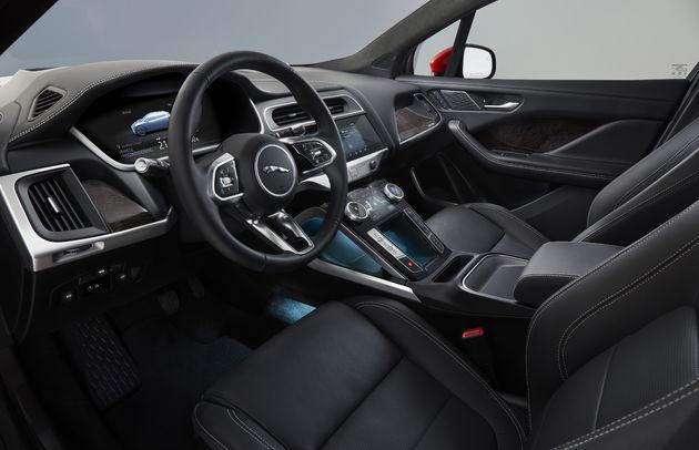 jaguar_i-pace_cockpit