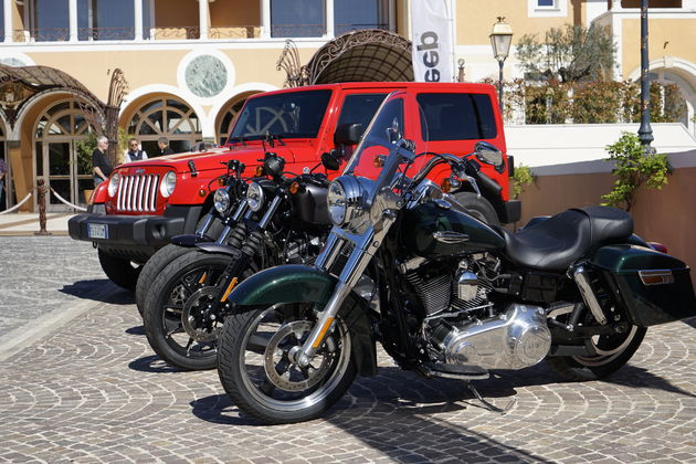 Jeep_75_Saint_Tropez_1