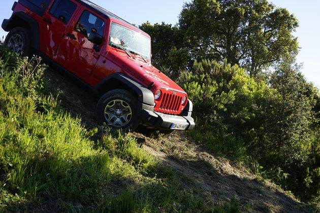 Jeep_75_Saint_Tropez_10