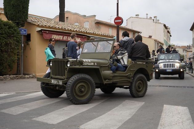 Jeep_75_Saint_Tropez_23